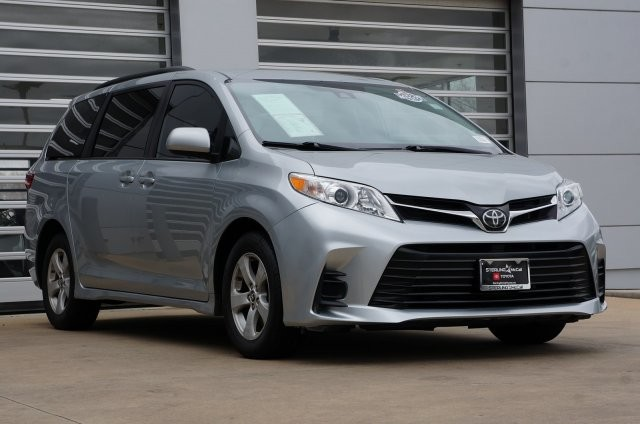 Pre-Owned 2019 Toyota Sienna LE