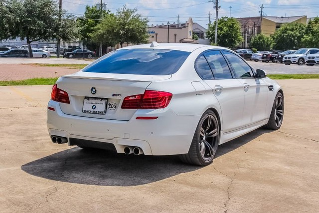 Pre-Owned 2016 BMW M5 RWD EXECUTIVE