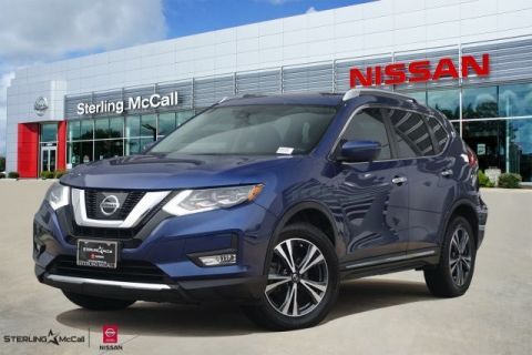 Pre-Owned 2017 Nissan Rogue SL *** PANORAMIC SUNROOF *** NAVIGATION ***